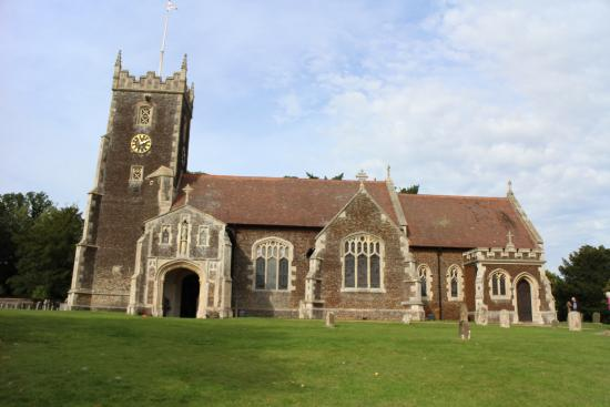 Sandringham, UK: Picture postcard church