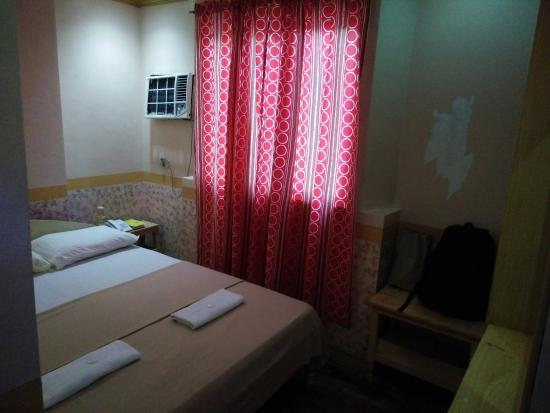 La Elliana Hotel: Matrimonial Bed