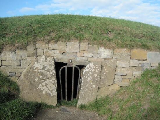 County Meath, Irlanda: Hill of Tara Cormac's house gateway to passage