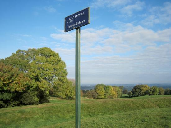 County Meath, ไอร์แลนด์: Grainne's enclosure signboard