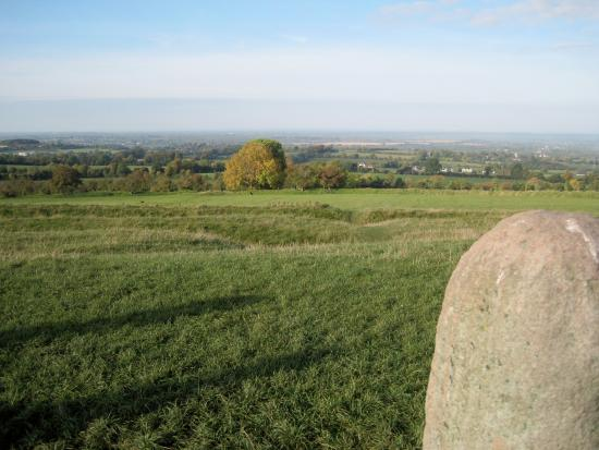 County Meath, ไอร์แลนด์: Hill of Tara view from Lia Fáil