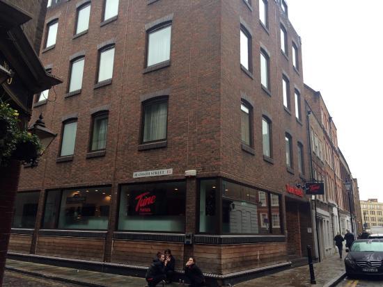 Tune Hotel - London, Liverpool Street: hotel