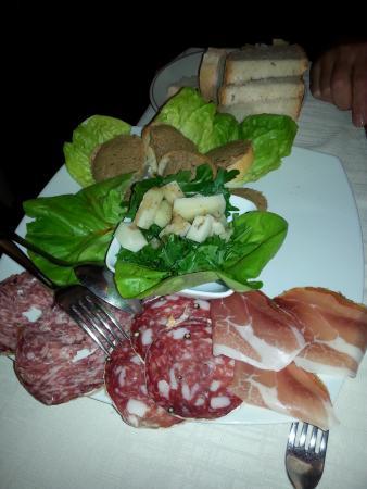 Montespertoli, อิตาลี: Antipastone del Focolare
