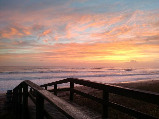 flagler beach walkway to the sunrise picture of gamble rogers rh tripadvisor com