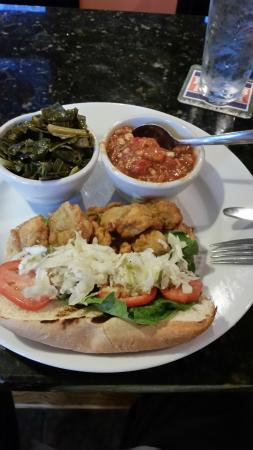 Anderson, Carolina del Sur: Oyster po-boy with collard greens and Brunswick Stew