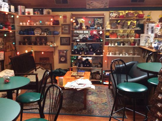 Hackettstown, NJ: Greene's Beans interior view - great variety of foods
