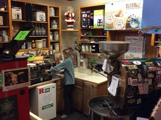 Hackettstown, نيو جيرسي: Greene's Beans - food prep area