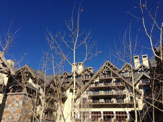 Four Seasons Resort and Residences Vail: South Facing View of the Hotel