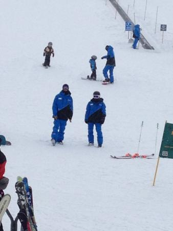 June Mountain: Ski instructors for group & private ski lessons