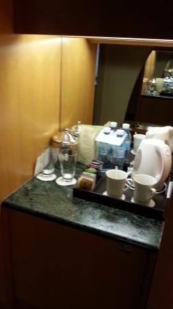 Dan Eilat: פינת הקפה בחדר
