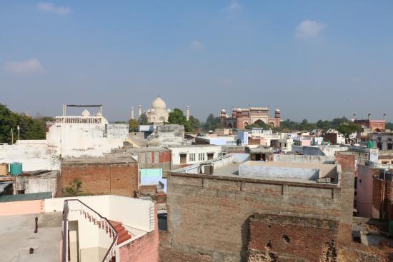 Hotel Sidhartha: Vista para o Taj Mahal do terraço