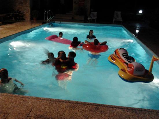 Casa Do Casal Do Carvalhal: piscina nocturna