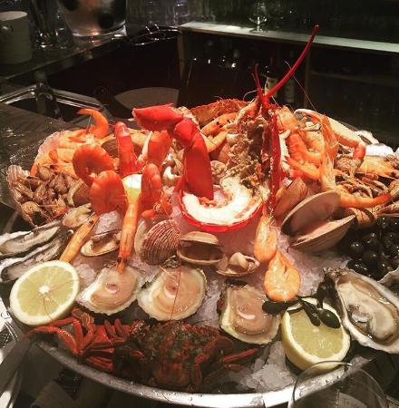 Excellent seafood. Great atmosphere