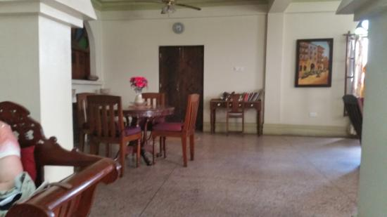 Asmini Palace Hotel: The reception area