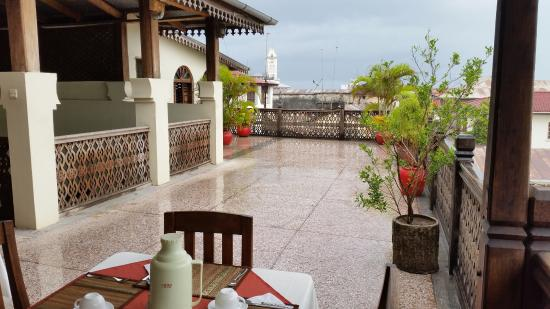 Asmini Palace Hotel: View of breakfast area