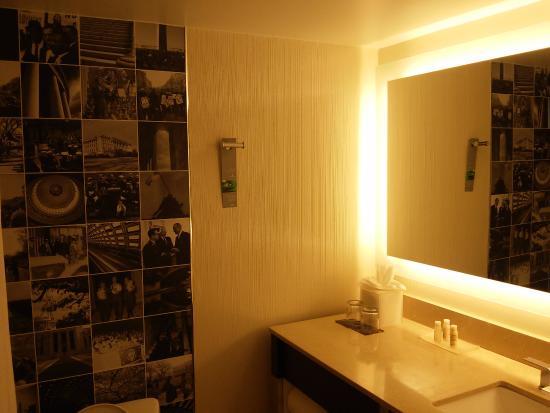 bathroom picture of renaissance washington dc downtown hotel rh tripadvisor co za