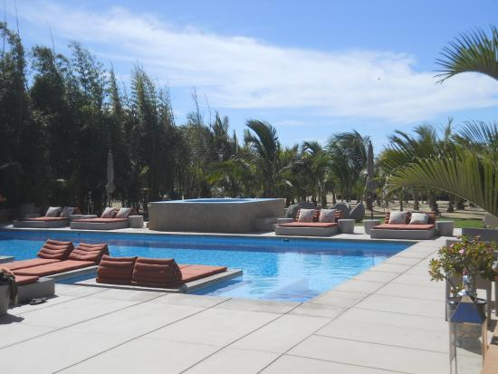 Rancho Pescadero: The hotel's pool and hot tub