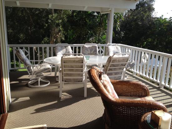 Areca Palms Estate Bed and Breakfast: Lanai