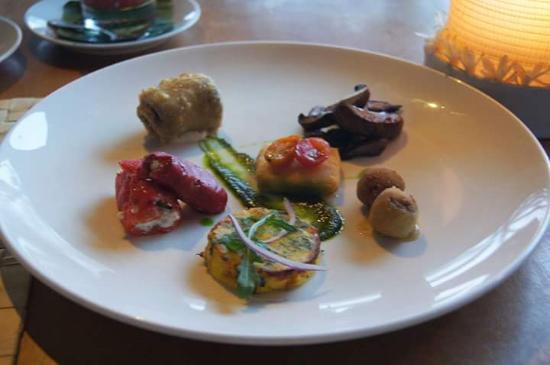 La Lucciola: 前菜盛り合わせ。日本円で1000円しなかったような。