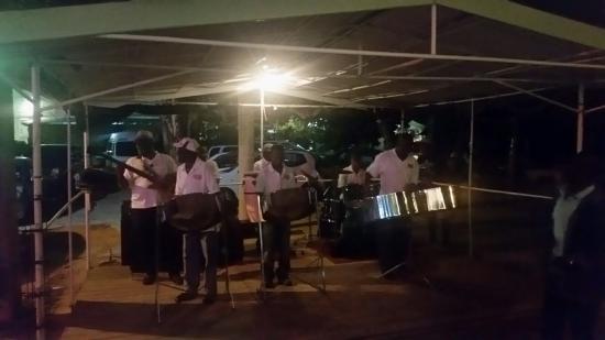 Holetown, Barbados: 20151227_193932_large.jpg