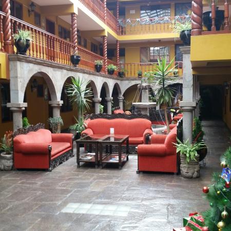 Hotel Munay Wasi: A welcoming colorful lobby