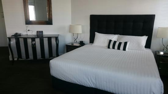 The Provincial Ballarat: Master suite 4