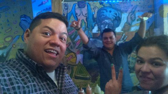 Funky Burritos & Mezcales: Don't worry be funky!!! Excelente ambiente!!