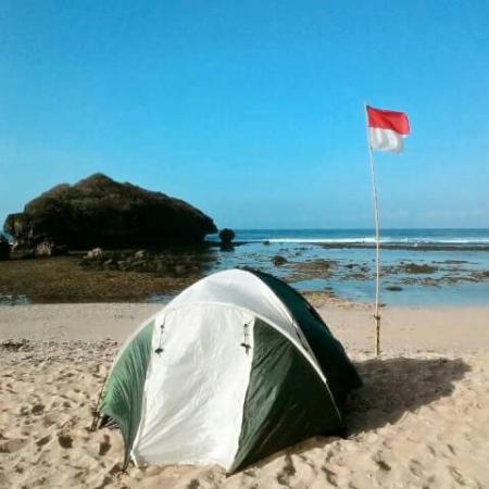 Ngandong Beach: Watulawang Snorkeling