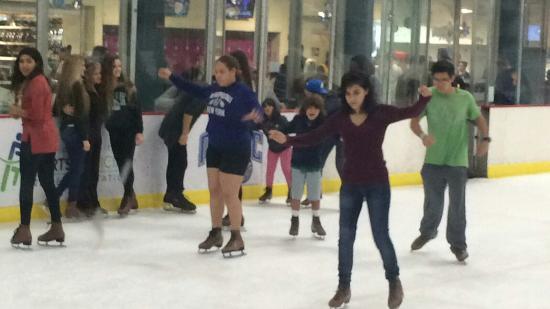 RDV Sportsplex Ice Den