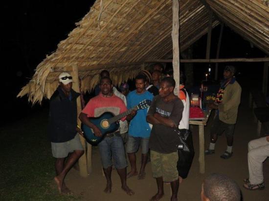 Kewarra Beach, Australien: Evening entertainment