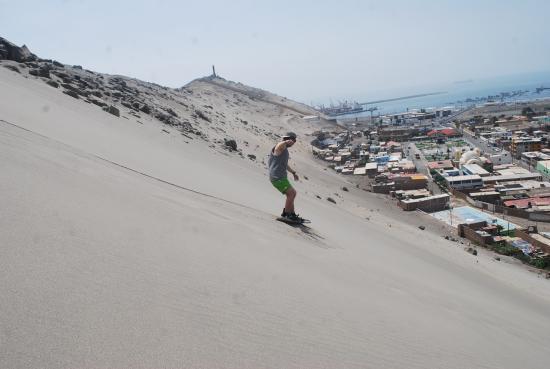Trujillo, Peru: carl sandboarding