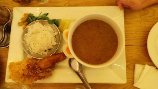 Rangoon Tea House: Curry Noodle