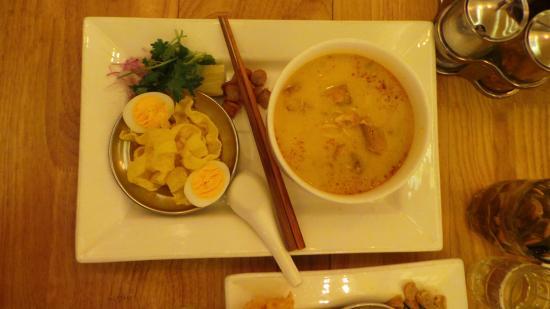 Rangoon Tea House: Must try fish noodle