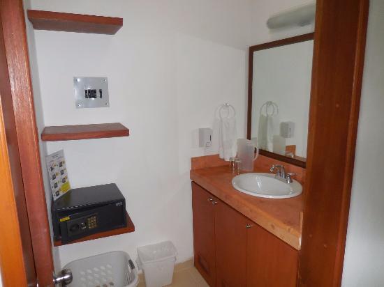 Hotel Xbulu-Ha: vanity