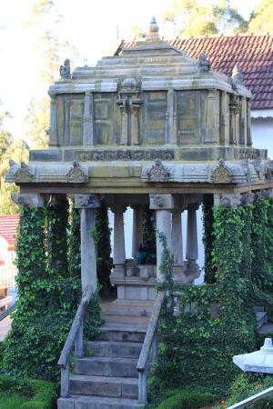 Haveli Atithi Bhavan: an old temple?