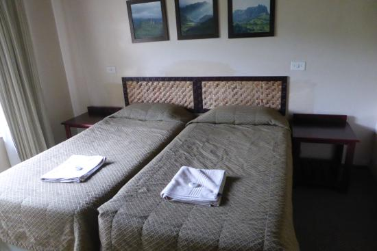 uKhahlamba-Drakensberg Park, Sudáfrica: separate bedrooms.   Wish we had a double bed, but oh well!