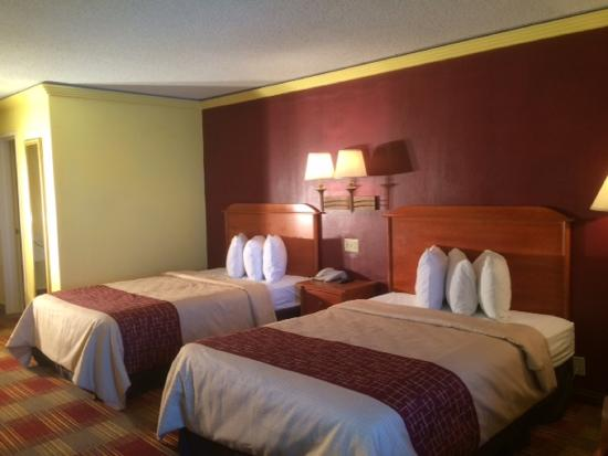 Red Roof Inn KC Sports Complex - Independence : 2 Beds Double Double Room Red Roof Independence MO