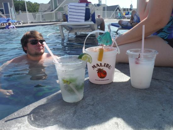Stormy Point Village a Summerwinds Resort: The signature drink - The Malibu Bucket