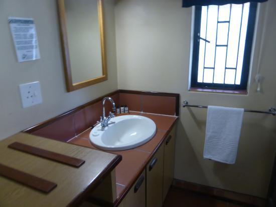 Giant's Castle Camp: sink area of bathroom