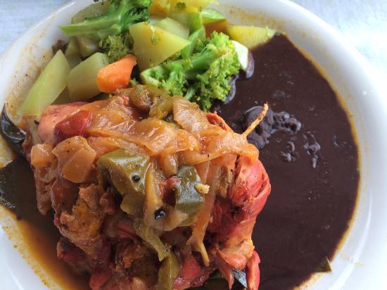 Santa Elena, Mexico: My meal at Chac Mool - Pollo Pibil