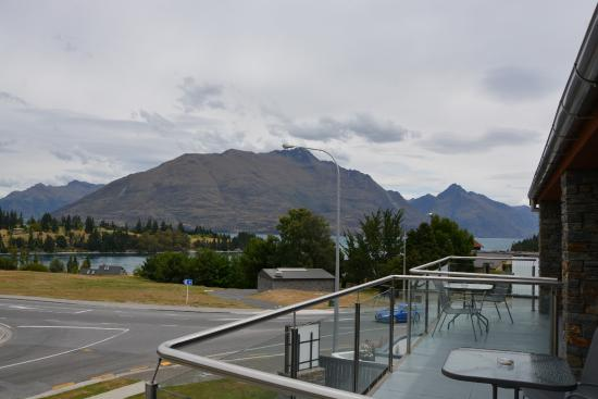 Autoline Motel: View from my balcony towards Lake Wakatipu