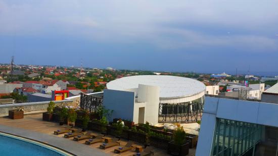 View Pool Area Dari Kamar Hotel Picture Of Swiss Belhotel Cirebon