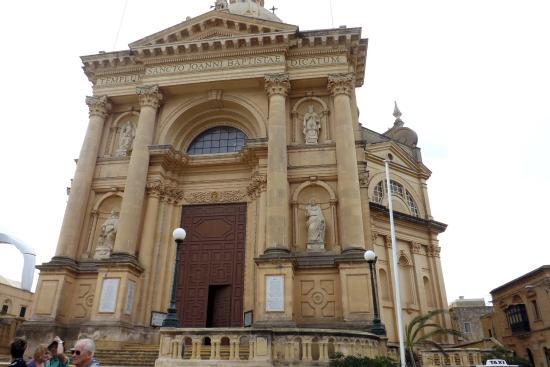 Xewkija, مالطا: Front of church