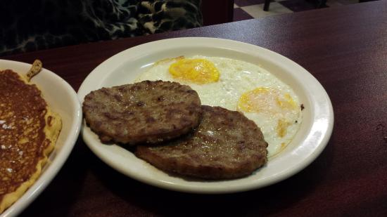 Macedonia, OH: sausage and eggs
