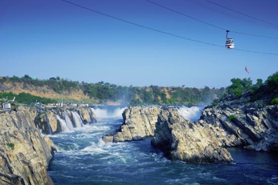 Dhuandhar Falls Picture Of Marble Rocks At Bhedaghat