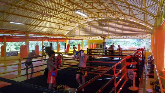 Chak Phong, Tayland: gym training
