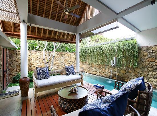 Mahala Hasa: Living Room & Pool