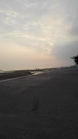 Dongxing, China: Wanwei beach
