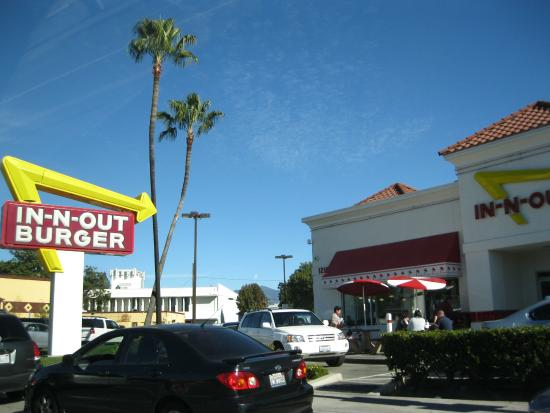 In-N-Out : 外観