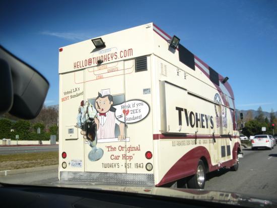 Twohey's Restaurant: お店オリジナルのトラック